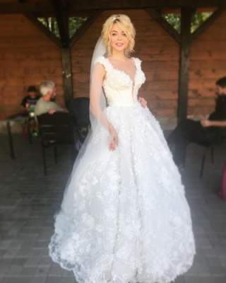 Алина Гросу показала, как выглядит в свадебном платье