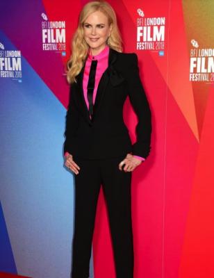 Николь Кидман посетила премьеру фильма в элегантном костюме
