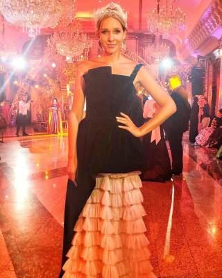 Королева эпатажа: Катя Осадчая вышла в свет в шикарном платье
