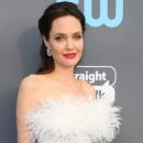Анджелина Джоли показала, как выглядит без макияжа