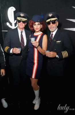 """Рыжеволосая стюардесса: Синди Кроуфорд """"зажгла"""" на Halloween-вечеринке"""