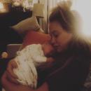 Хилари Дафф показала новорожденного малыша