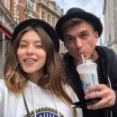 Беременная украинская певица похвасталась стройными ногами