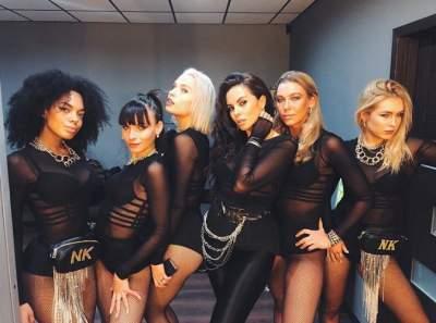 Настя Каменских показала фото с девушками из своего балета