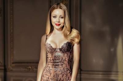 Тина Кароль соблазнительно оголила плечи в стильном платье