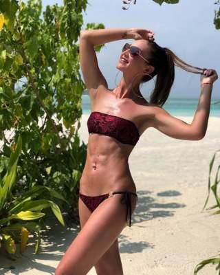 Ольга Бузова сфотографировалась в купальнике