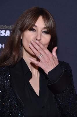 Монику Беллуччи раскритиковали из-за неухоженных ногтей