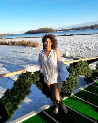 Известная украинская телеведущая впервые нырнула в прорубь