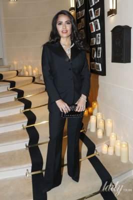 Сальма Хайек появилась на публике в элегантном смокинге