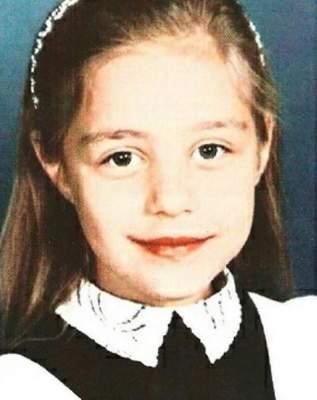 Тина Кароль поделилась фотографией со своих школьных лет