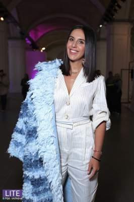 Джамала восхитила стильным нарядом на открытии Недели моды