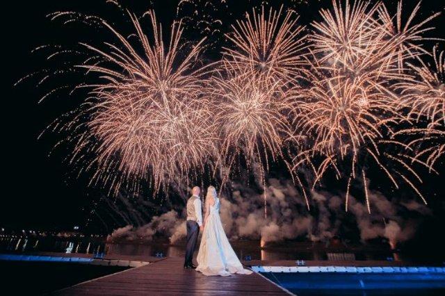 Что дарят на свадьбу молодоженам